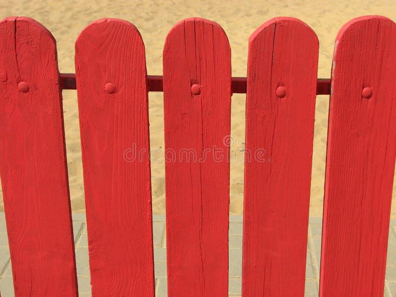 Frontière de sécurité en bois rouge image libre de droits