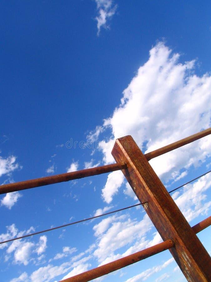 Frontière de sécurité et ciel photos libres de droits