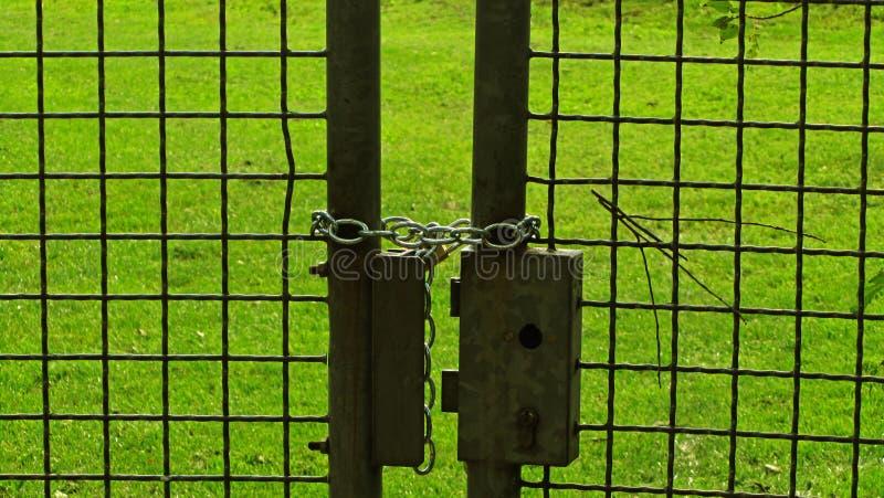 Frontière de sécurité verrouillée photographie stock libre de droits