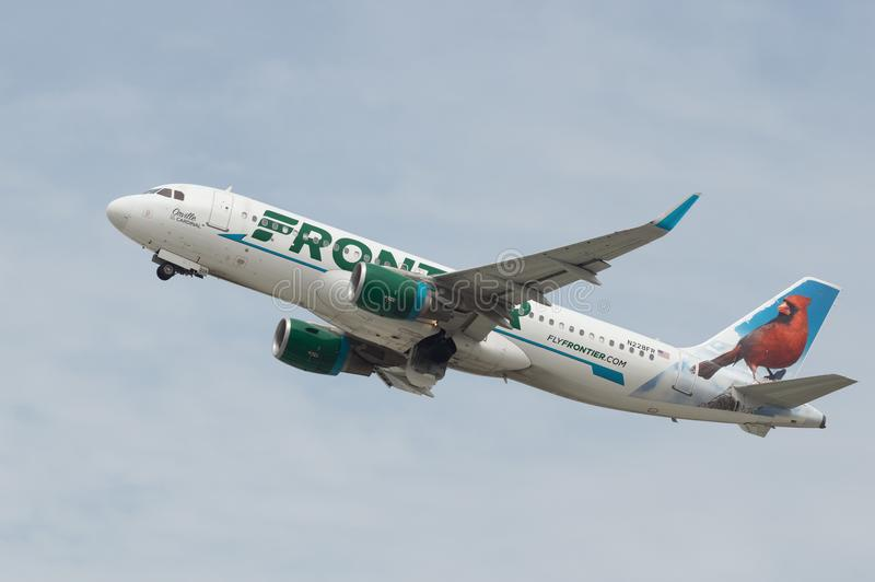 Frontier Airlines echa en chorro imagen de archivo libre de regalías