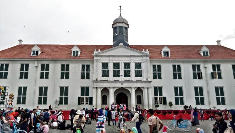 Frontowa strona kolonisty stylu budynek holender w Północnym Dżakarta Kot Tua, Kota Lama, Fatahilah Muzealna historia z ludźmi A zdjęcia royalty free