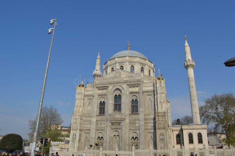 Frontowa strona Pertevniyal Valide sułtanu meczet, Istanbuł, Turcja obraz stock