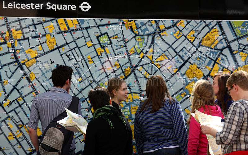 frontowi London mapy turyści obraz royalty free