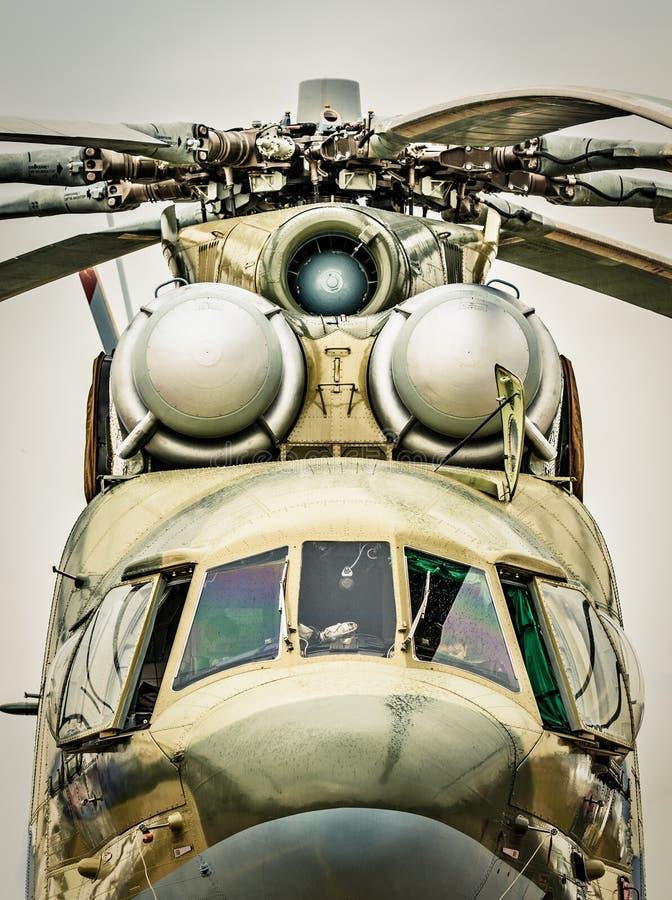 Frontowy widok rosyjski militarny helikopter. zdjęcia stock