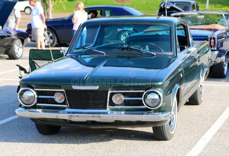 Frontowy widok 1960's Plymouth Barracuda Wzorcowy post Z powrotem fotografia stock