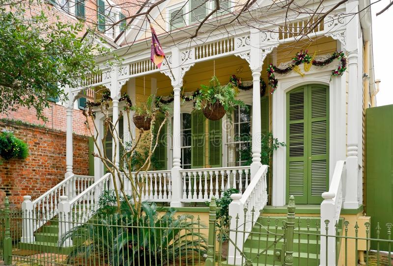 Frontseite des Hauses in New Orleans stockfotos