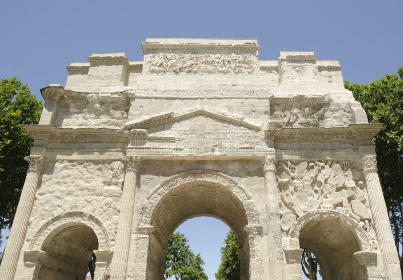 Frontseite des römischen Bogens des Triumphes lizenzfreie stockfotos
