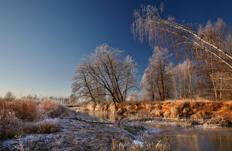 Frost auf dem Fluss stockbilder