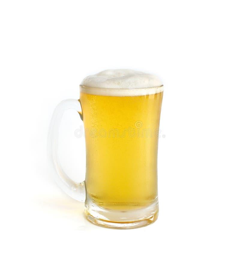 Frostigt exponeringsglas av uppsättningen för ljust öl som isoleras på en vit royaltyfri fotografi