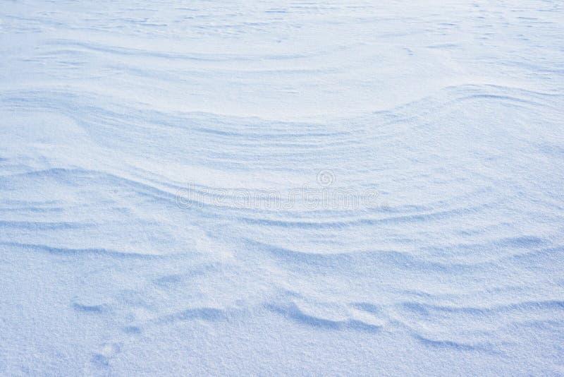 Frostigt snöyttersidan abstrakt textur är sammetslen snö försiktiga förkylningfärger avslappnande sikt av mousserande snöflingor royaltyfri bild