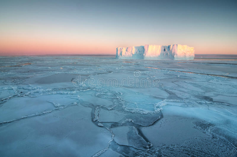 Download Frozen Ocean stock image. Image of snow, global, south - 29181271