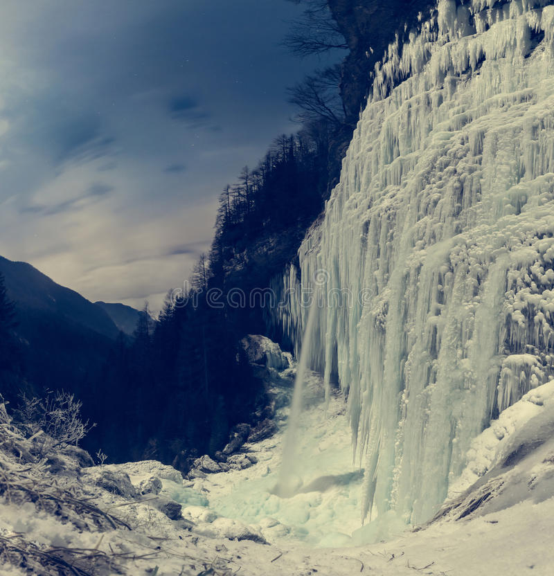 Free Frozen Waterfall At Night. Royalty Free Stock Photography - 84025707