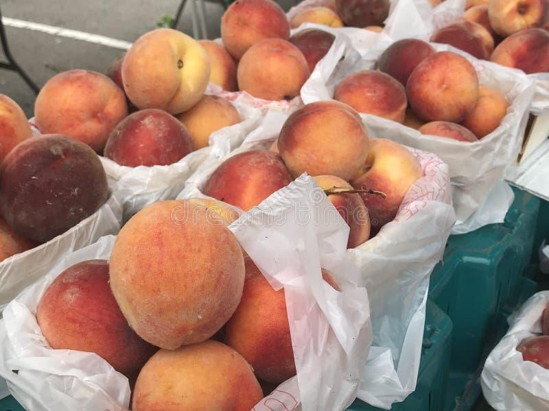 Frucht für Verkauf am Landwirtmarkt lizenzfreies stockbild
