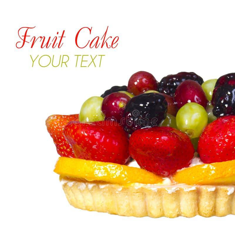 Frucht-Kuchen lokalisiert auf weißem Hintergrund mit Raum für den Text. Süßspeise. stockfotografie