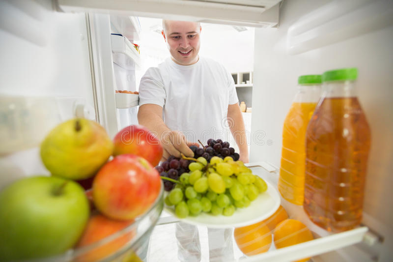 Frucht mögen gute Wahl für gesundes Leben stockfotografie