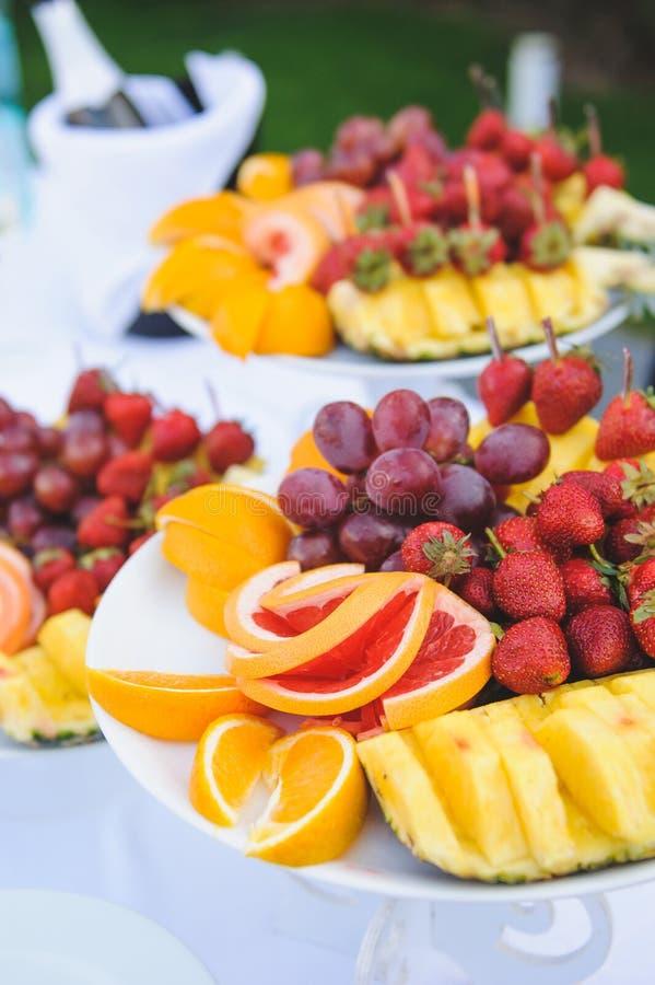 Frucht-Platten stockbilder
