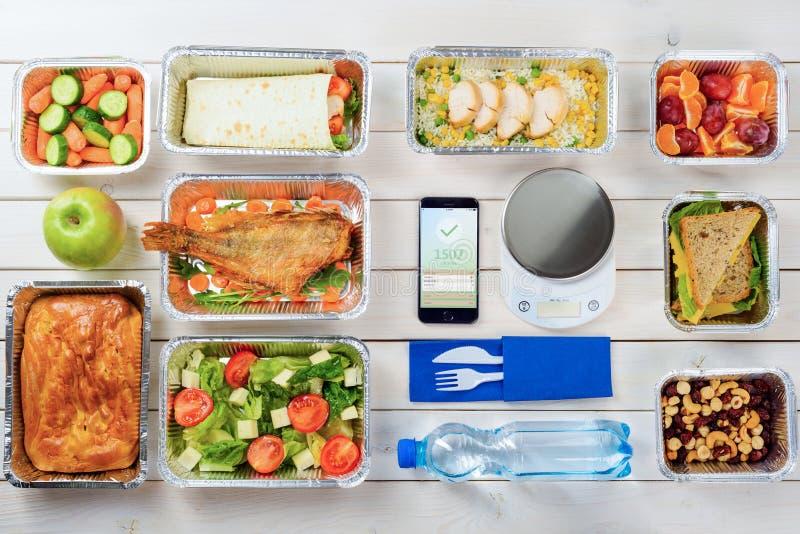 Frucht, Sandwiche und mageres Huhn stockbild