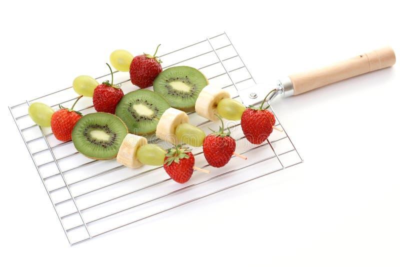 Fruchtige shishkabobs lizenzfreies stockbild