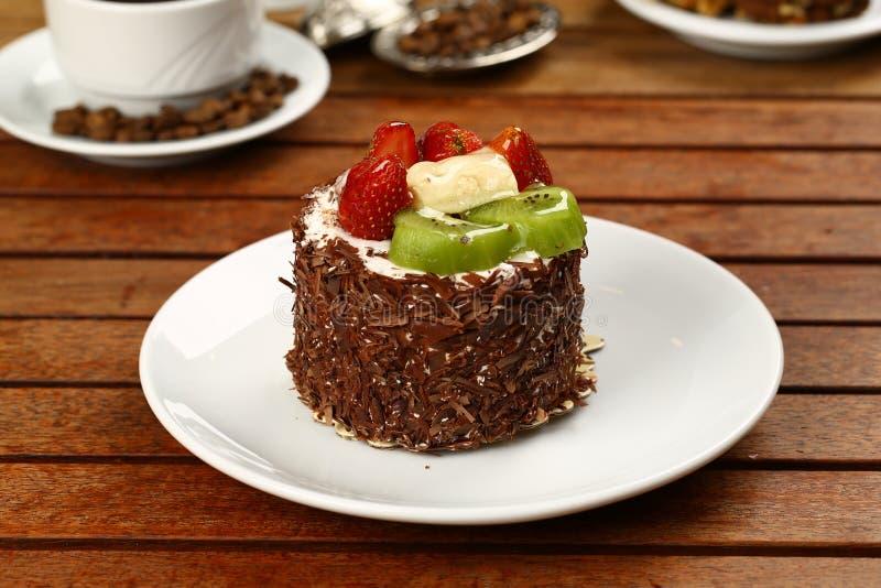 Download Fruchtkuchen Mit Kiwi Und Erdbeere Stockbild - Bild von nahrung, nachtisch: 96927427