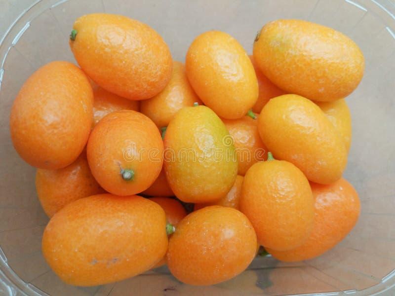 Fruchtlebensmittel der japanischen Orange stockfotos