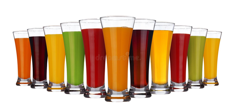 Fruchtsaftkonzept, Gläser verschiedene Säfte von Obst und Gemüse lokalisiert auf weißem Hintergrund lizenzfreie stockfotografie