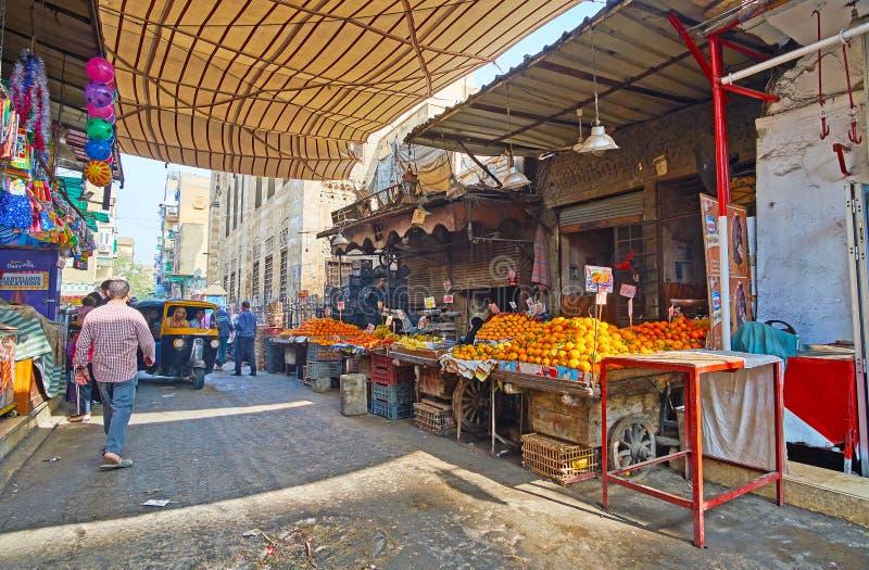 Fruchtställe im Al Khayama-Straßenmarkt, Kairo, Ägypten lizenzfreie stockbilder