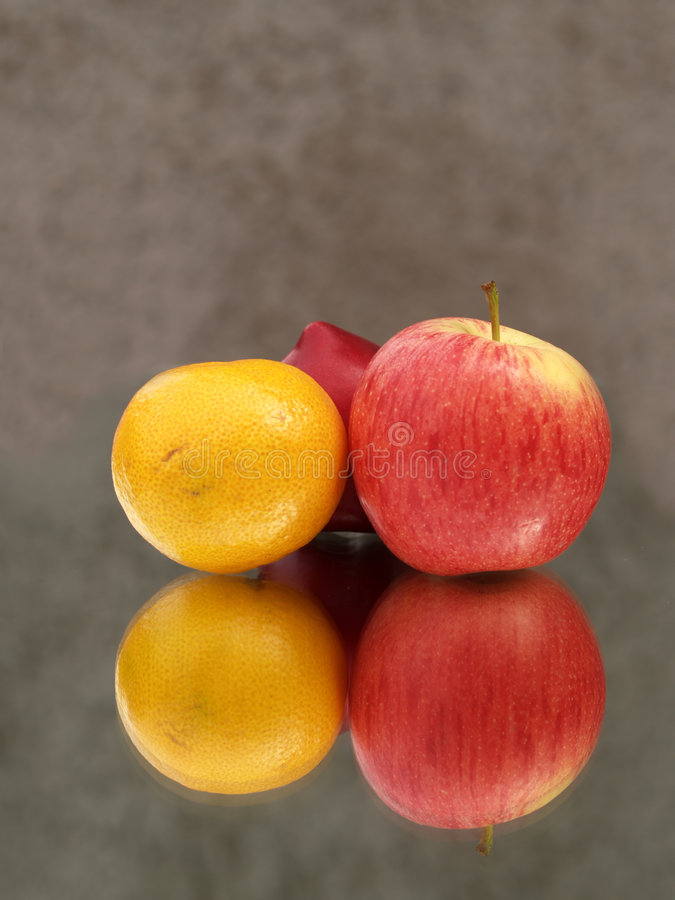Free Fruit And Reflection Royalty Free Stock Photos - 2734938