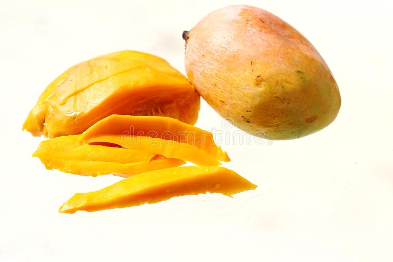 Fruit d'isolement de Mangifera indica, mangue de Senthoora d'Indien images stock