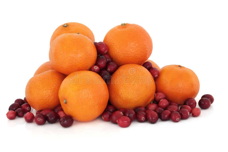 Fruit de mandarine et de canneberge images stock