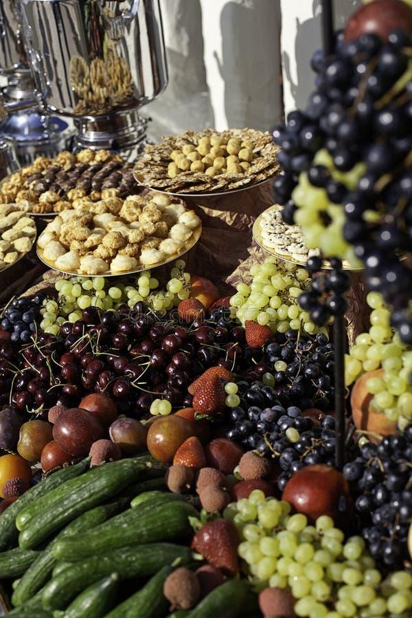 Fruit en Gebakje stock afbeeldingen