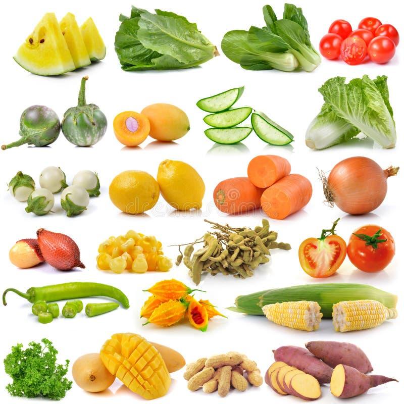 Fruit en groente op witte achtergrond stock foto's