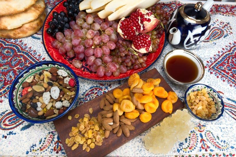 Fruit et bonbons asiatiques centraux images libres de droits
