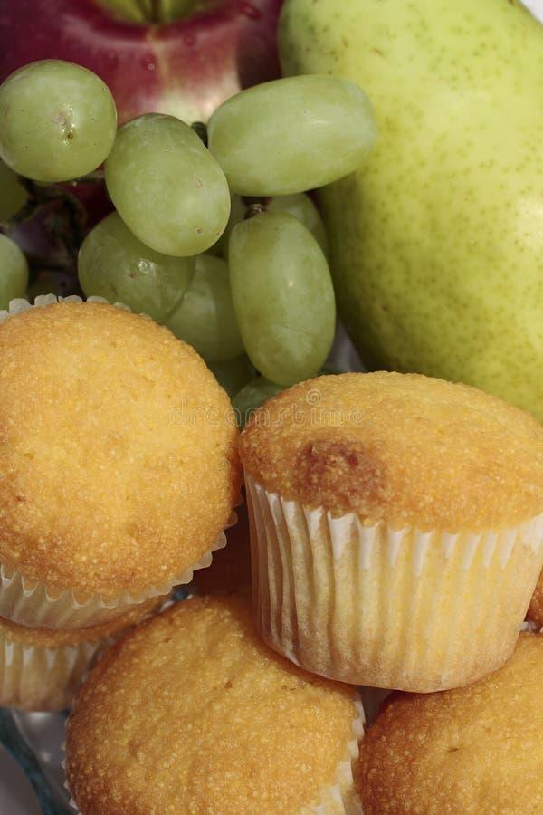 Fruit et pains de buffet de déjeuner photo libre de droits