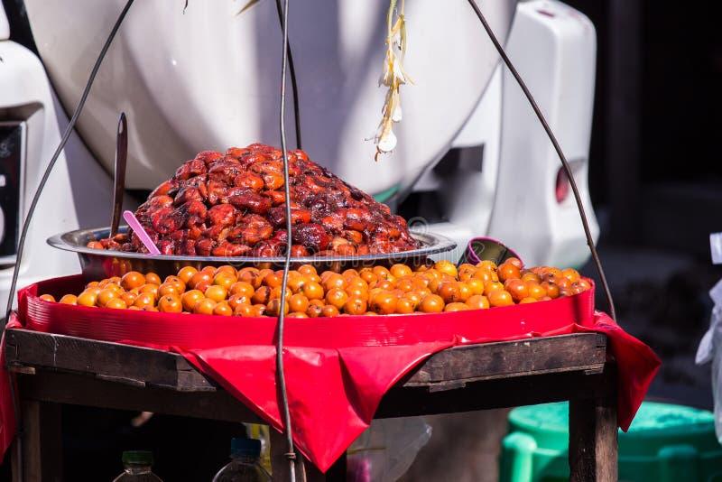 Fruit et une sauce épicée du Birman photo libre de droits