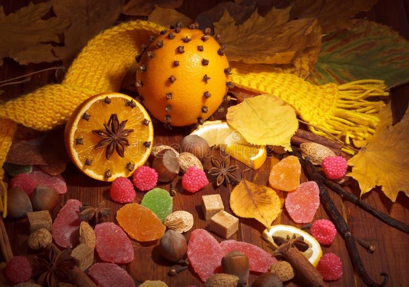 Fruit glacé avec l'orange et l'écharpe photographie stock