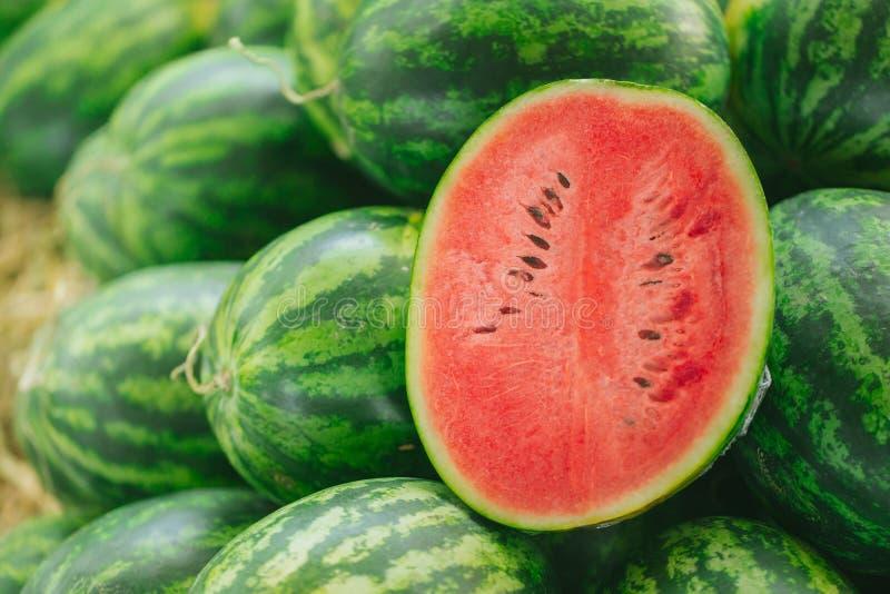 Fruit tropical coupé en tranches par pastèque à faible teneur en matière grasse images libres de droits