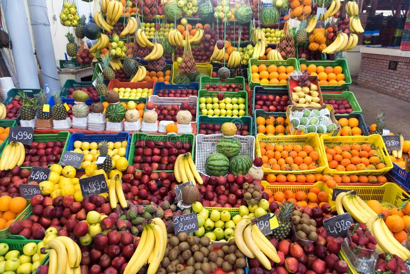 Fruitmarkt in Tunis, Tunesië stock foto