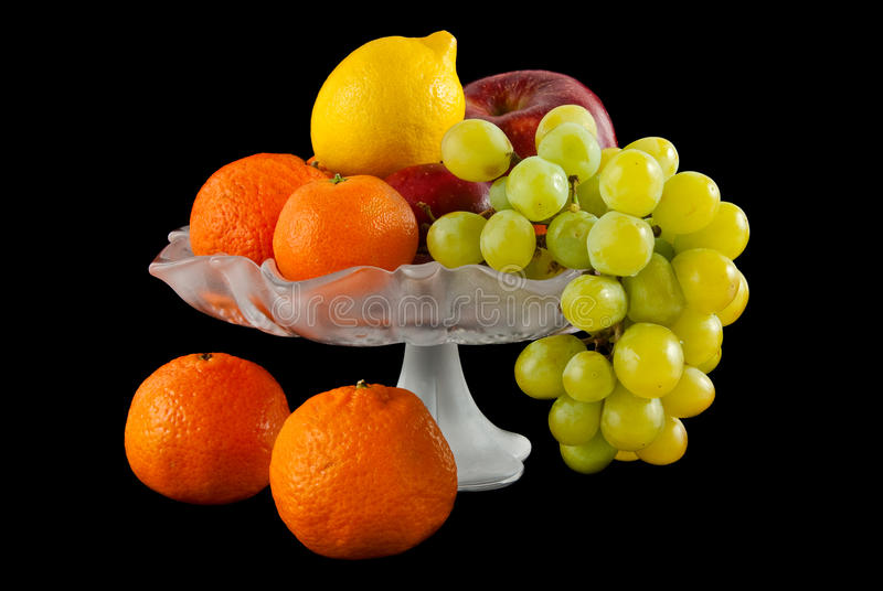 Download Fruits ваза стоковое изображение. изображение насчитывающей десерт - 18384973