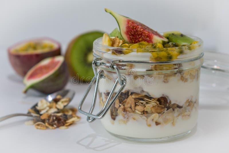 fruits югурт muesli стоковое фото rf