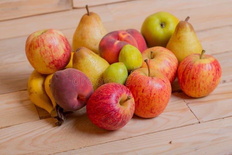 Download Fruits image stock. Image du nourriture, manger, saisonnier - 87702755