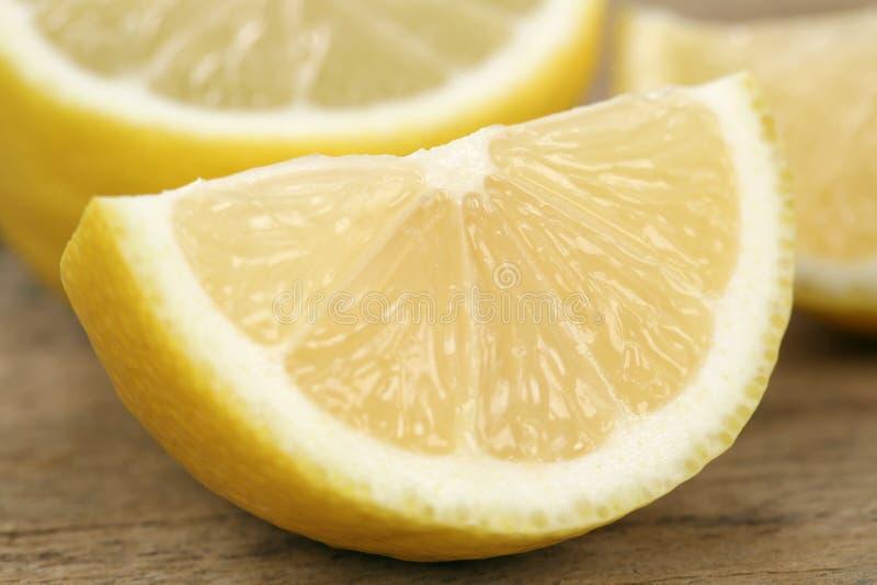 Fruits coupés en tranches de citron photographie stock libre de droits
