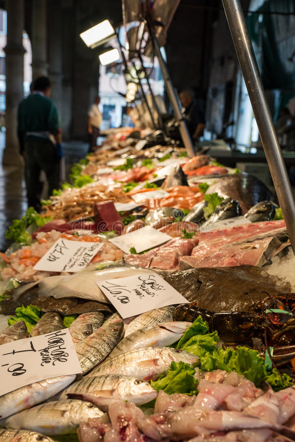 Fruits de mer à la poissonnerie à Venise, Italie photo stock