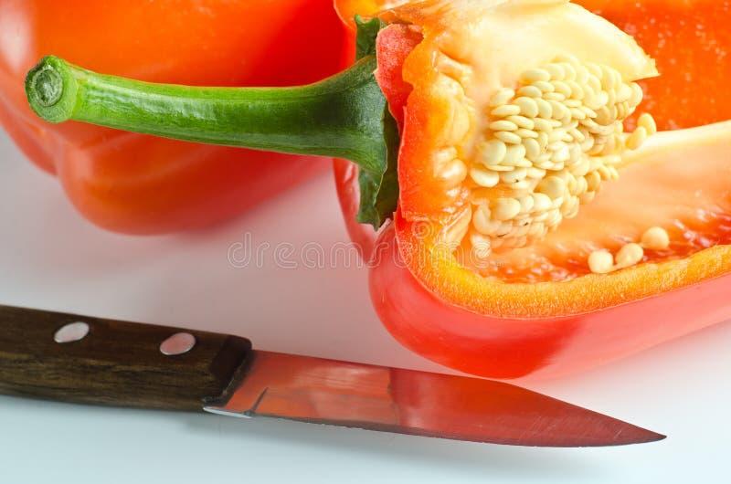 Download Fruits De Paprika Se Trouvant Sur Une Table Légère Image stock - Image du goût, légume: 87709409