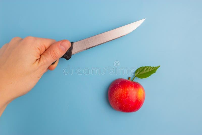 Fruits effrayés d'un couteau photos stock