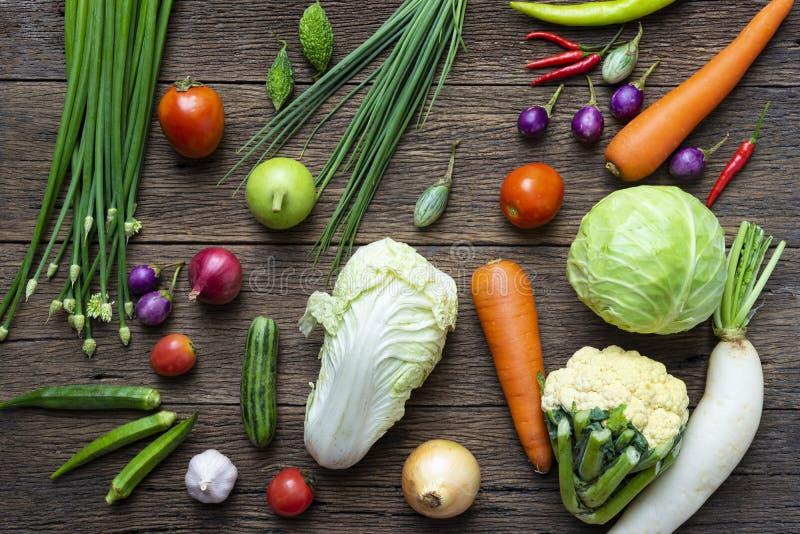 Fruits et légumes frais du marché d'agriculteurs photographie stock