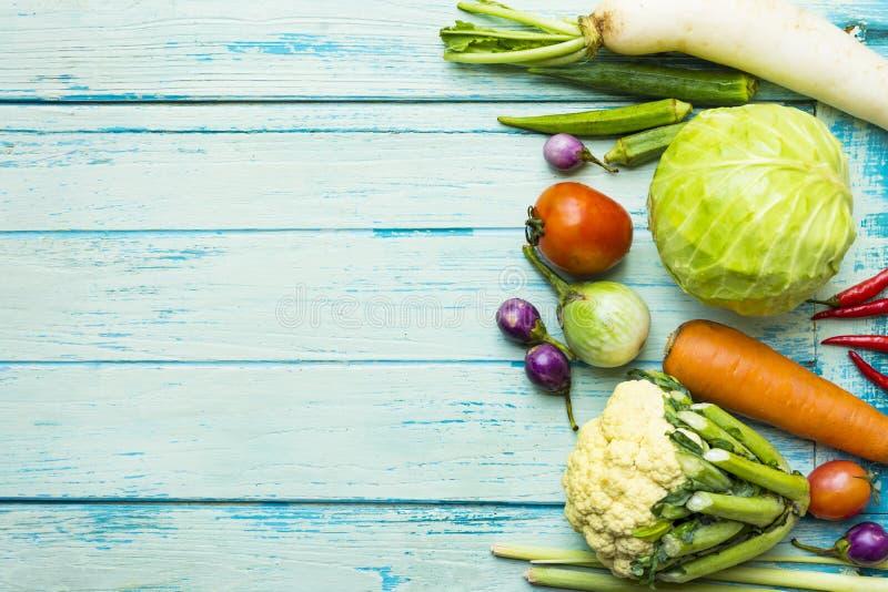 Fruits et légumes frais du marché d'agriculteurs photos stock