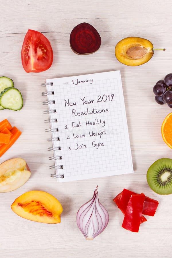 Fruits et légumes mûrs frais, résolutions de nouvelle année et concept sain de modes de vie photos libres de droits