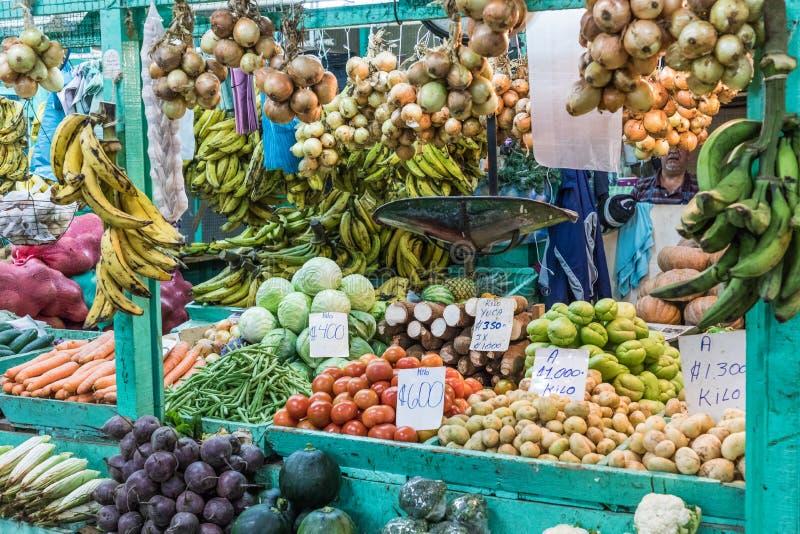 Fruits et légumes marché du ` s d'agriculteur San Jose, Costa Rica, tro photo libre de droits