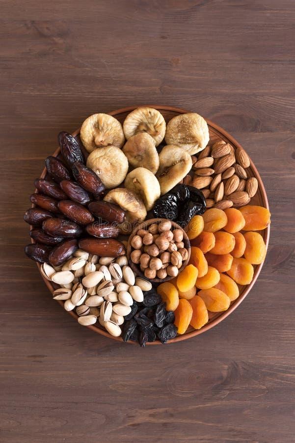 Fruits et noix secs images stock