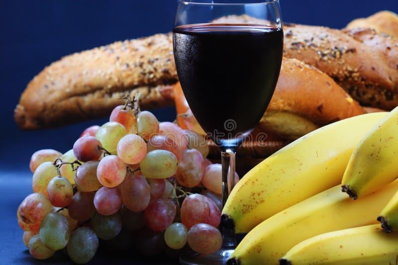 Fruits et pâtisserie de vin images libres de droits